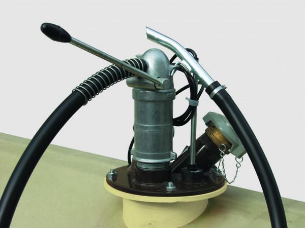 Cemo Handpumpe montiert auf GT-Tank