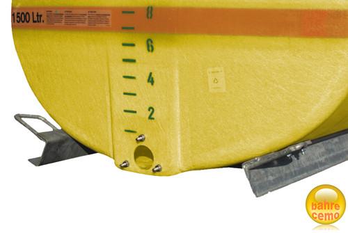 Beispiel für Stahlkufen an 1500-Liter-GFK-Fass montiert